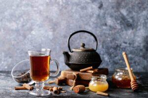 Diese 6 Teesorten fördern den gesunden Schlaf
